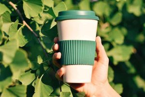 Reusable coffee cup discounts